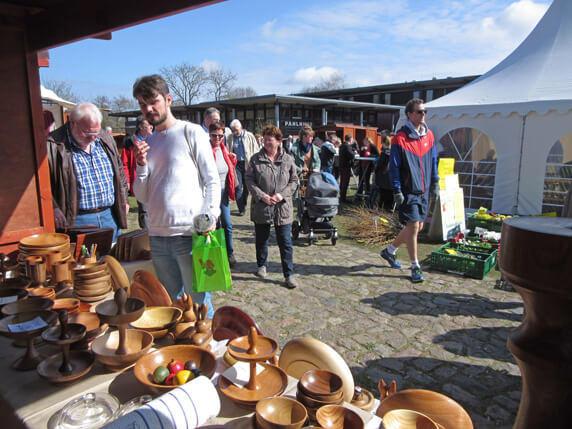 Der monatliche Biosphäre-Schaalsee-Markt in Zarrentin am Schaalsee. Foto: Frank Hermann