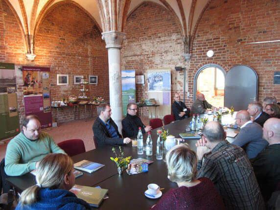 Pressekonferenz zur Vorstellung des Bildbandes Schaalsee im Kloster Zarrentin. Foto: Frank Hermann