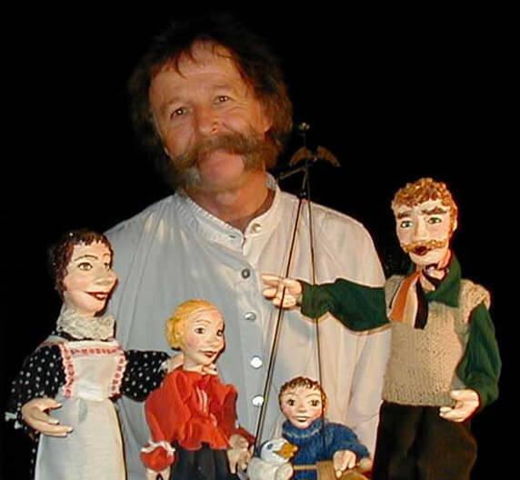 """Puppenspiel """"Weihnachtsgans Auguste"""". Foto: Puppentheater Schlott, Neu Nantrow"""