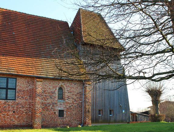 Die Petrikirche zu Demern. Bildquelle: Karin Homan