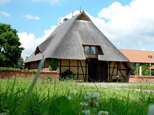 Das Rauchhaus Möllin - Hofanlage und Restaurant. Bildquelle: Rauchhaus Möllin