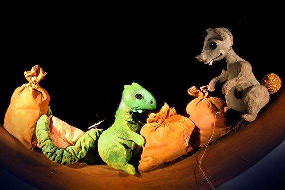 """Puppenspiel """"Der kleine Drache in der Arche"""". Foto: Figurentheater Winter, Rieps"""