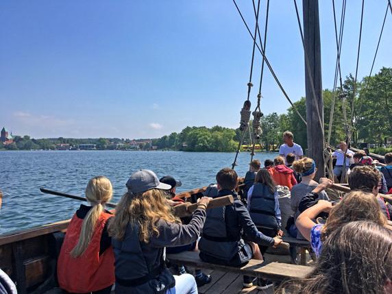 Ruder- und Segelfahrt auf dem Ratzeburger See im GUT DRAUF-Wochenende. Foto: Frank Hermann