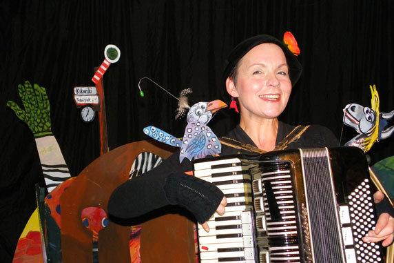 """Puppenspiel """"Der Kuckuck und der Esel"""". Foto: Dorftheater Siemitz, Siemitz"""