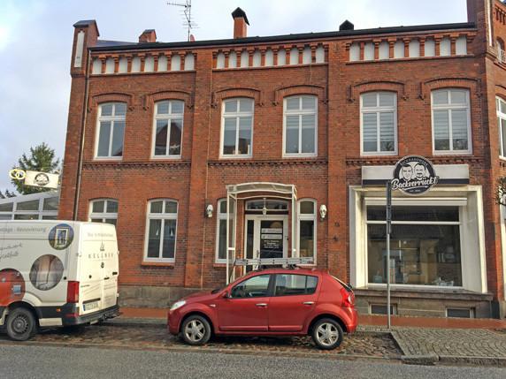 Das Büro des Fördervereins Biosphäre Schaalsee e.V. befindet sich in diesem Gebäude inder Hauptstraße 13 in Zarrentin am Schaalsee. Foto: Frank Hermann