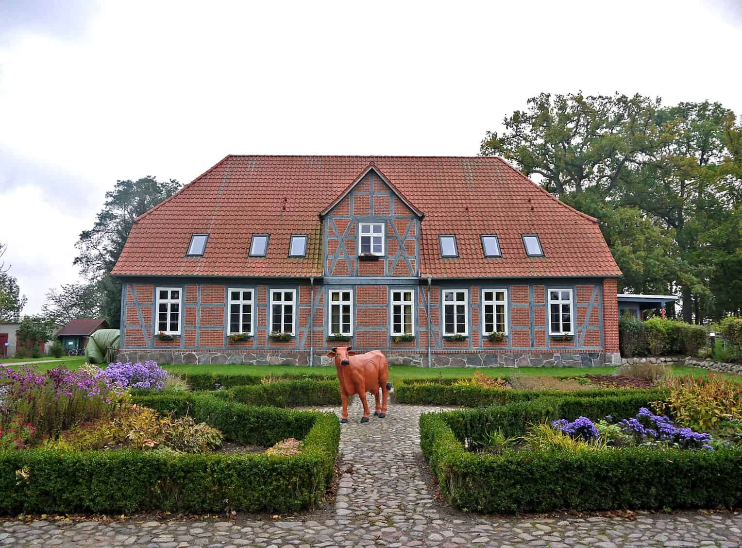 Foto: Der Arche-Hof Domäne Kneese des Lebenshilfewerkes Mölln-Hagenow. Fotoautor: LHW Mölln-Hagenow